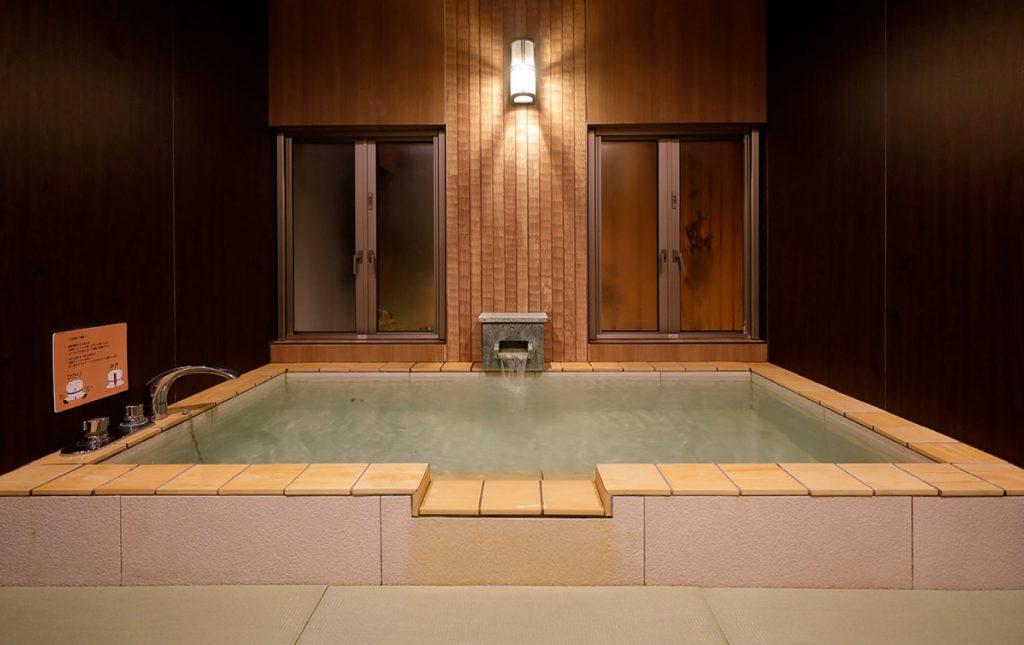 潮騒の宿ふじま:貸切風呂「楠の湯」