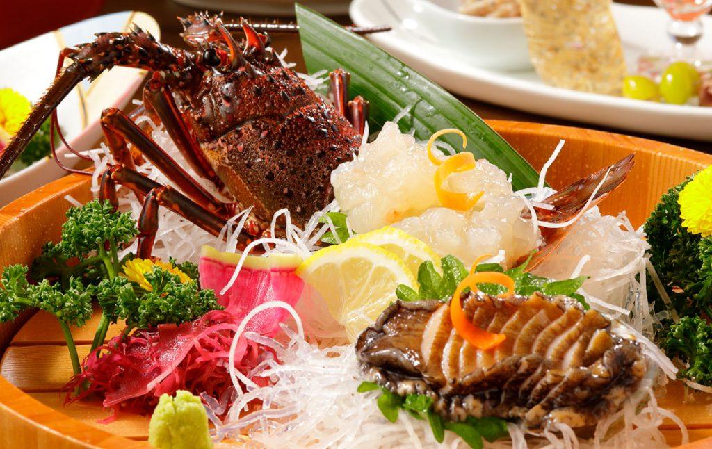 潮騒の宿ふじま:コース料理(伊勢海老)